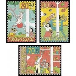 3 عدد تمبر مراقیت از کودکان - هلند 1994