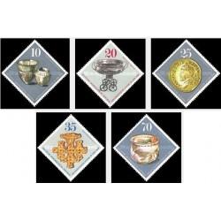 5 عدد تمبر یافته های باستان شناسی - جمهوری دموکراتیک آلمان 1976