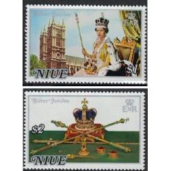 2 عدد تمبر 25مین سالگرد تاجگذاری ملکه الیزابت دوم - نیو 1977 ارزش روی تمبر 3 دلار نیوزلند