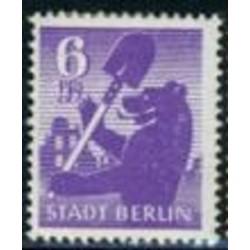 1 عدد تمبر سری پستی - 6 - شهر برلین - جمهوری دموکراتیک آلمان 1945 با شارنیه