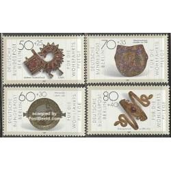 4 عدد تمبر رفاه اجتماعی - اشیاء هنری فلزی - برلین آلمان 1987 قیمت 6.1 دلار