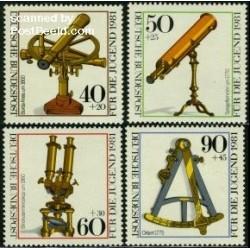 4 عدد تمبر رفاه اجتماعی - ادوات نوری - آلمان 1981