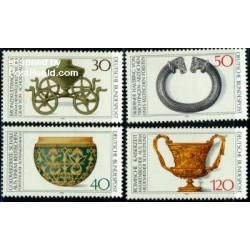 4 عدد تمبر باستانشناسی - اشیاء هنری - آلمان 1976