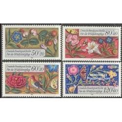 4 عدد تمبر گلهای تزئینی - برلین آلمان 1985 قیمت 8.7 دلار